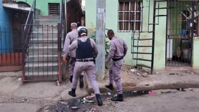 Photo of PN interviene barrios de SDE y Boca Chica y apresa 63 individuos