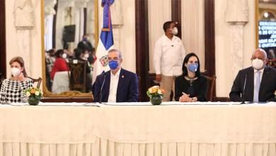 Photo of Presidente Luis Abinader y del ministro de Educación durante presentación plan para salvar el año escolar 2020-2021