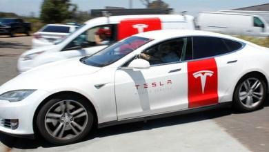 """Photo of Un experto tacha a Tesla de """"castillo de naipes que se está preparando para derrumbarse"""" y advierte que es la inversión más peligrosa de Wall Street"""