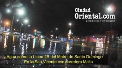 Agua sobre la terminal del Metro de Santo Domingo, frente a Megacentro