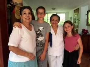 Los momentos con la familia son un tesoro y se aprovechan al máximo. Según Iara, la desventaja de una familia multicultural tiene que ver con las distancias, los grandes esfuerzos económicos para poder ver y abrazar a la gente que quieren.