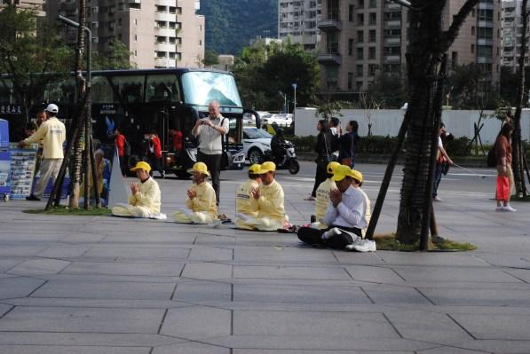 En el año 2009, al menos 2.000 practicantes de Falun Gong murieron a causa de abusos mientras se encontraban bajo custodia. Fuente: Wikipedia. Foto: M. Riggi