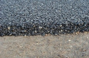 difference between bitumen and tar