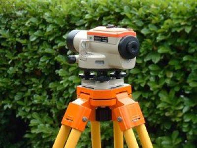 Dumpy level surveying