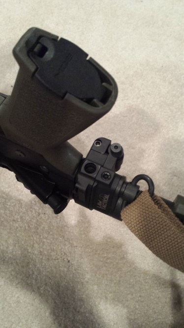 Image shows the poor placement of the QD socket on the underside of the Law Tactical hinge.