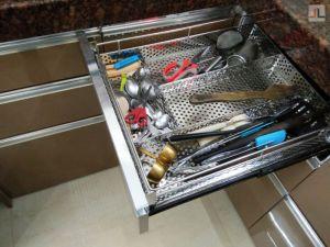 Tan-Color-Modular-Kitchen-High-Gloss-Laminate-Finish-Andheri-Seven-Bunglows (13)