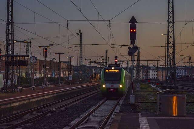 5 Advantages of Automatic Signalling System in Railway