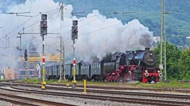 9 Objectives of Railway Signalling