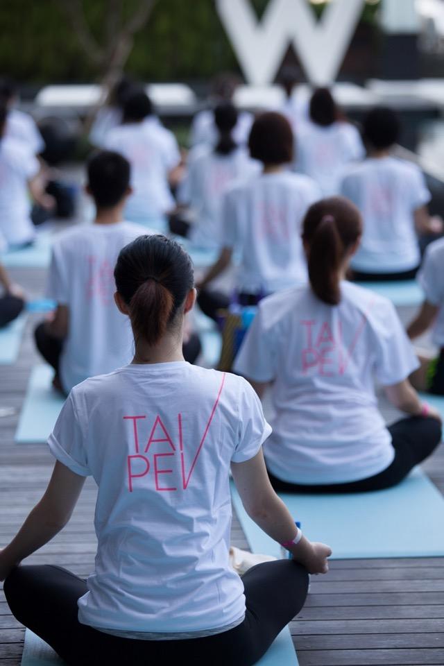 台北W飯店邀請您一起做瑜珈、獻公益 001