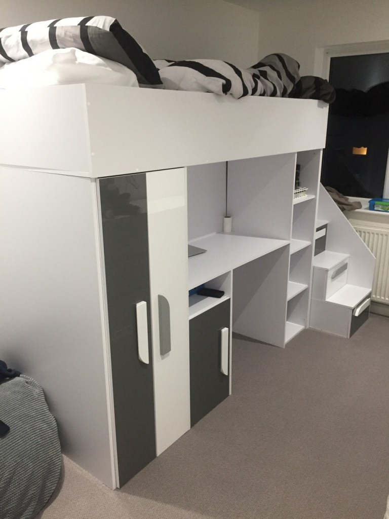 picture of childs bedroom with the white and grey bunkbed