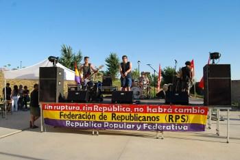Probando el sonido para el concierto que dieron nuestros camaradas de Garrote Vil