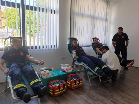 Uspješno sprovedena akcija dobrovoljnog davanja krvi: Cetinjani se odazvali u velikom broju
