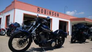 Bikers at Robinson's in Wheatley. (Photo by Trevor Thompson)