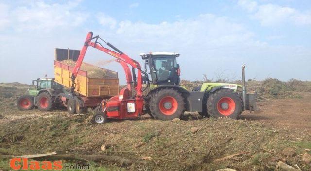 art-2.37100291-800x600-tractor-houtversnipperaar-claas-xerion-schijvenhakker