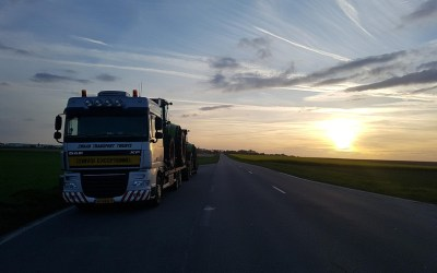Claas op transport naar de dealer met van Der Vlist Twente. Deel 9