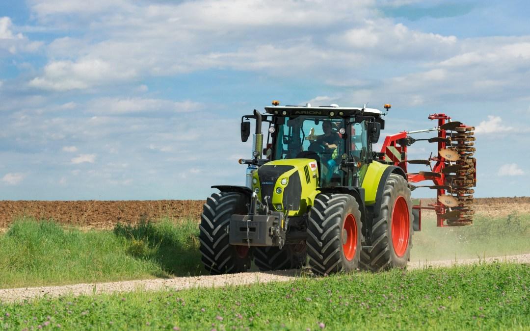 Claas tractoren voldoen aande stage V emissienormen .