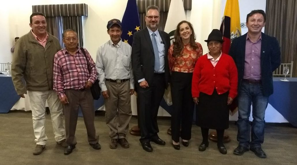 Ecuadoran Fair Trade Network Signs Agreement To Benefit Five Of Its
