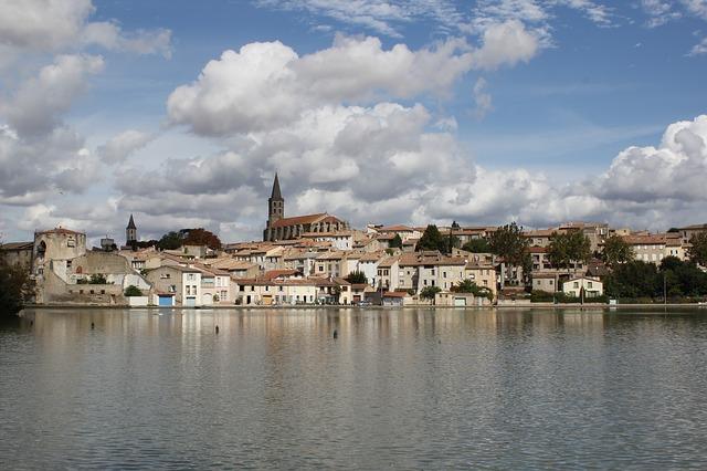 Vue sur le grand bassin de Castelnaudary