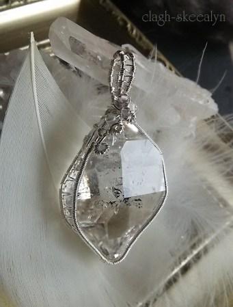 美しいハーキマーダイアモンドは、米国/ニューヨーク州ハーキマー地方でのみ産出される、粒状の特殊な水晶になります。
