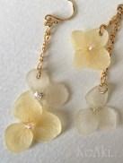 淡黄色~紫陽花のアシンメトリー ピアス