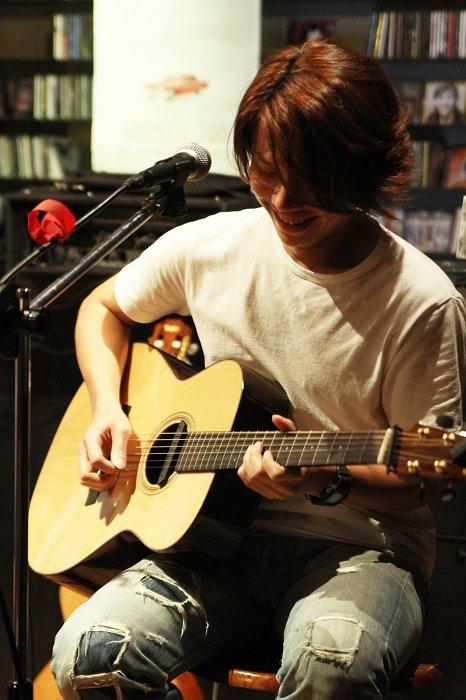 學吉他的老師首選-吉他演奏家郭一豪