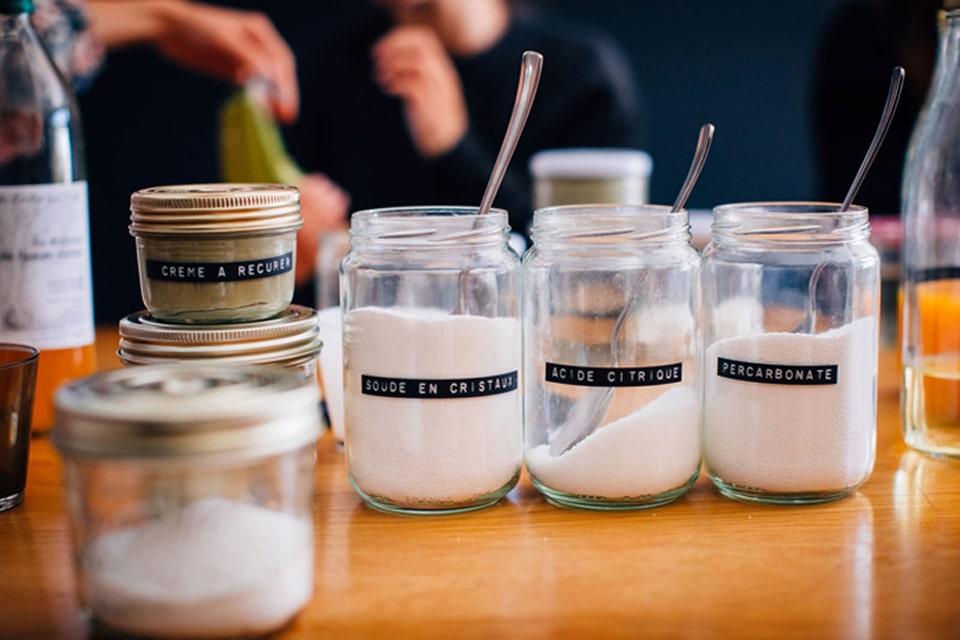 Tous les ingrédients pour fabriquer ses produits ménagers écologiques