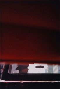 saul-leiter-man-in-car-1950