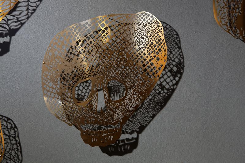 clairebrewster_skull_diamonds_Install1