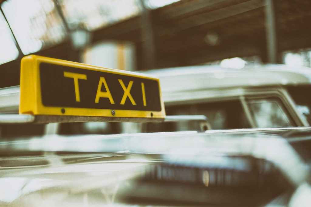 taxi a San Francisco durante un viaggio con i bambini
