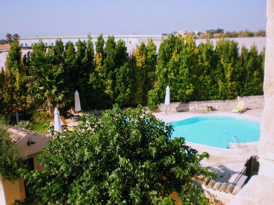 albergo con piscina per una vacanza al mare in Sicilia
