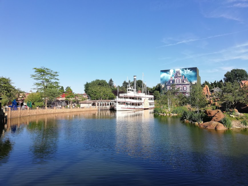 disneyland paris e la nave mark twain
