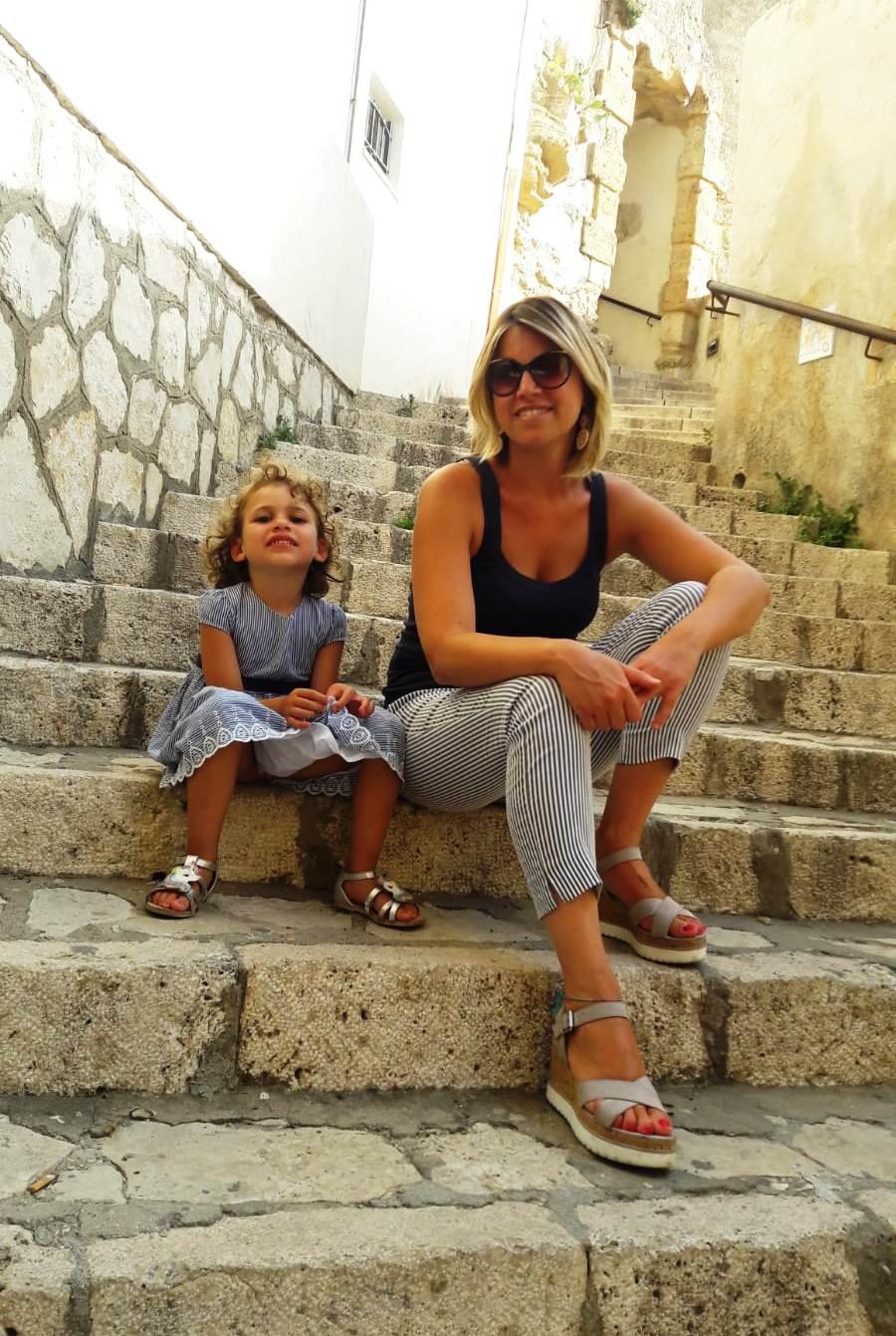 mamma e figlia a Castellammare del Golfo