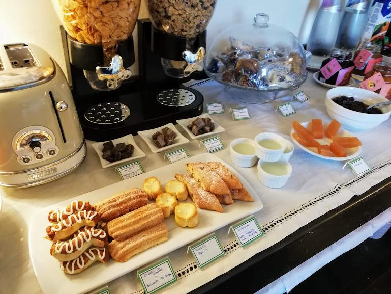 ragusa ibla con i bambini-duomo relais colazione3