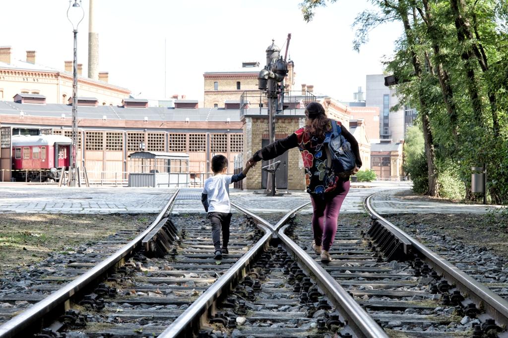 mamma e bambino al Technikmuseum di Berlino
