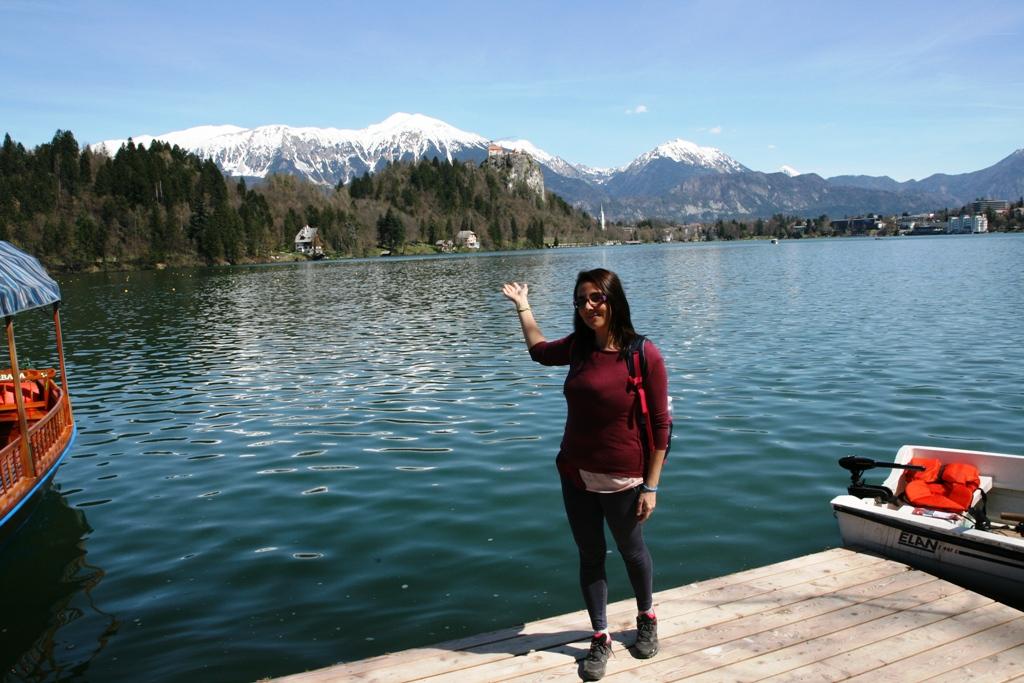 una donna al Lago di Bled