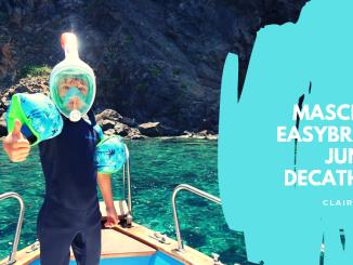 bimbo che indossa la maschera easybreath per bambini di Decathlon