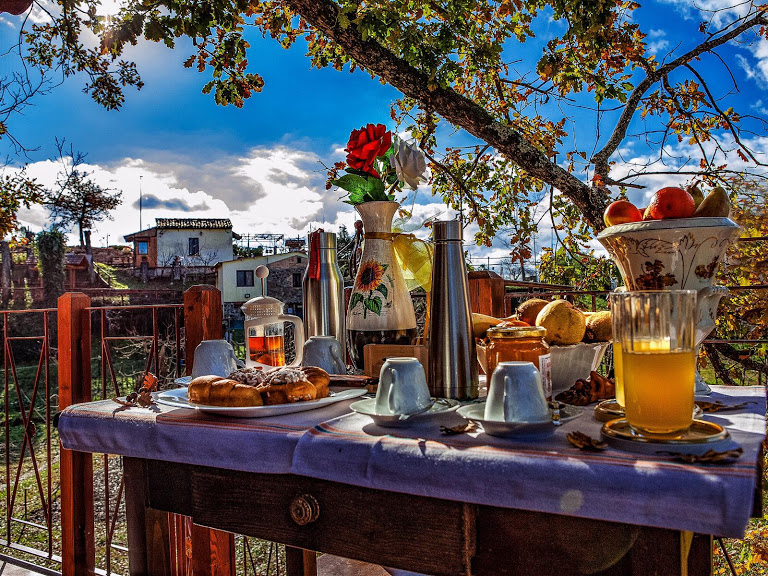 colazione nella casetta sull'albero in Calabria alla tenuta bocchineri