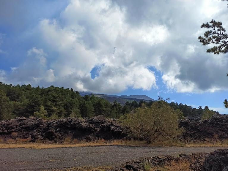 vista crateri sommitali dalla pista altomontana sull'Etna