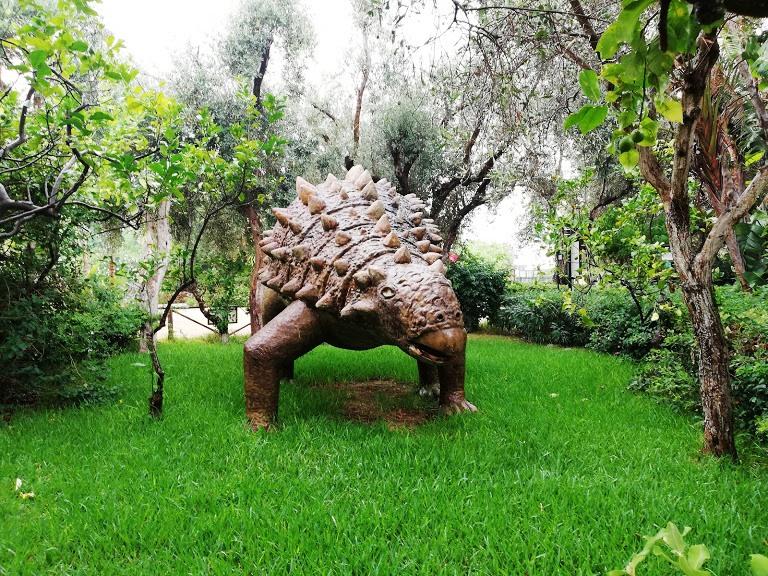 dinosauro al Bioparco di Sicilia