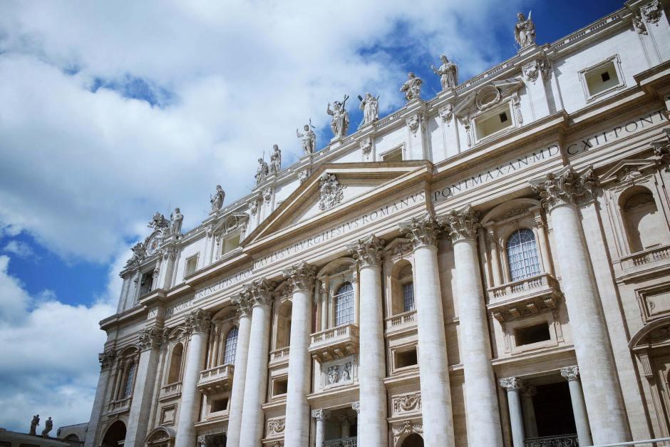 rome-italie-vatican-basilique-place-st-pierre-(3)