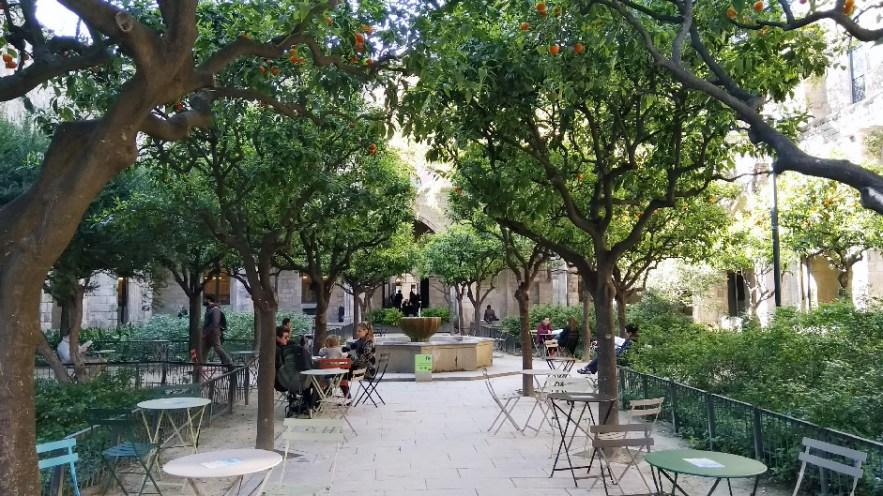 Barcelone-Espagne-ancien-hôpital-de-santa-creu-2