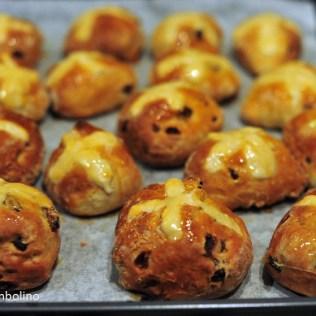 Hot-cross-bun_cooked