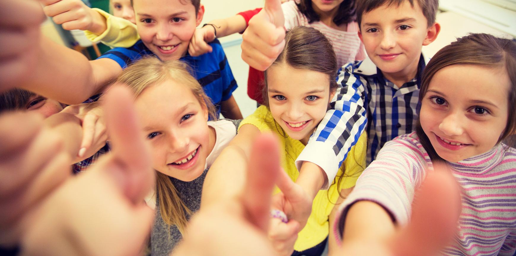children-thumbs-up
