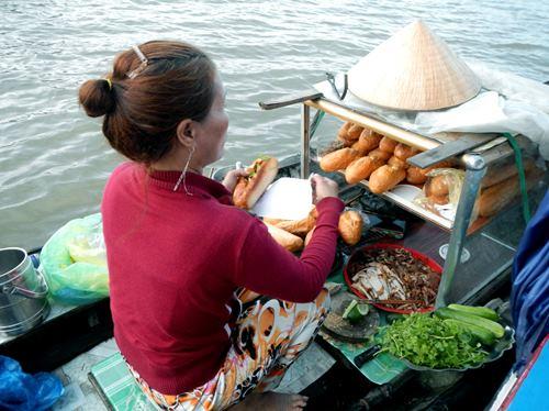 Claironyva-Vietnam-CanTho-achat-banh-mi