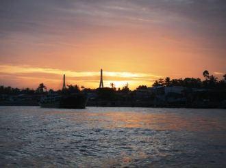 Claironyva-Vietnam-CanTho-sunrise
