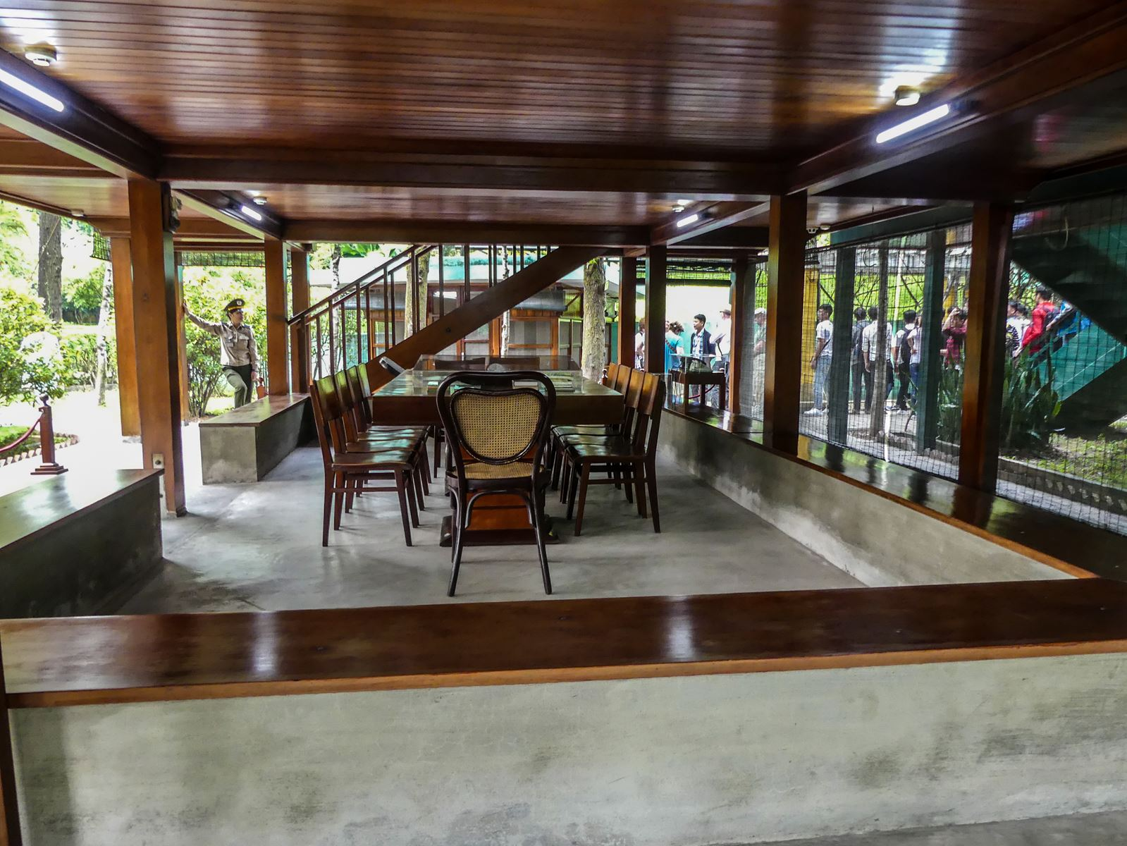 Claironyva Vietnam Hanoi Jardins et Maison su Pilotis Ho Chi Minh