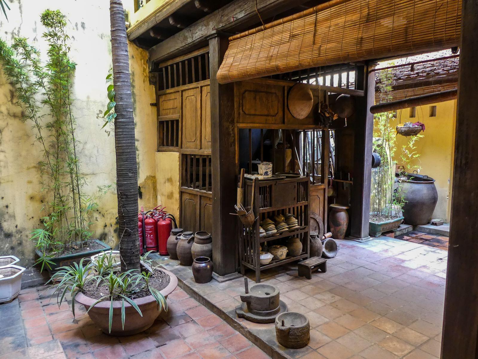 Claironyva Vietnam Hanoi Maison Commémorative - la cuisine