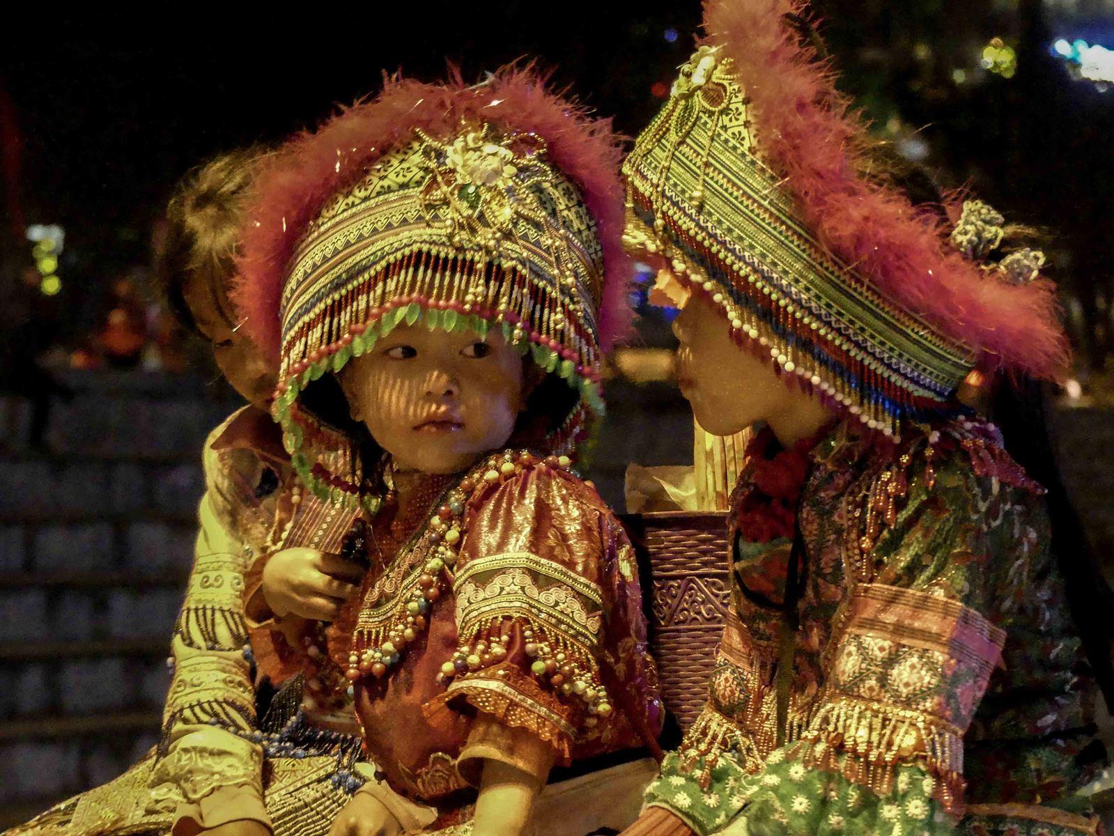 Claironyva Vietnam Sapa Enfants Costumes Traditionnels