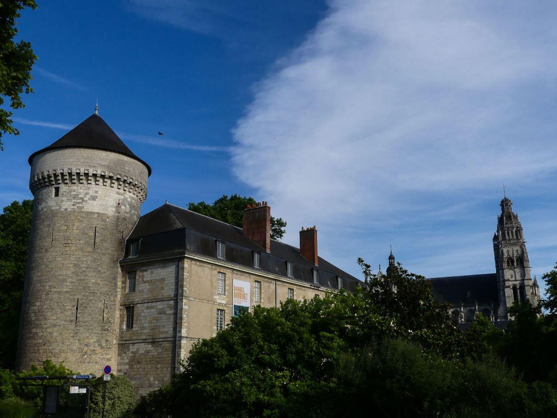 Claironyva Tours Chateau