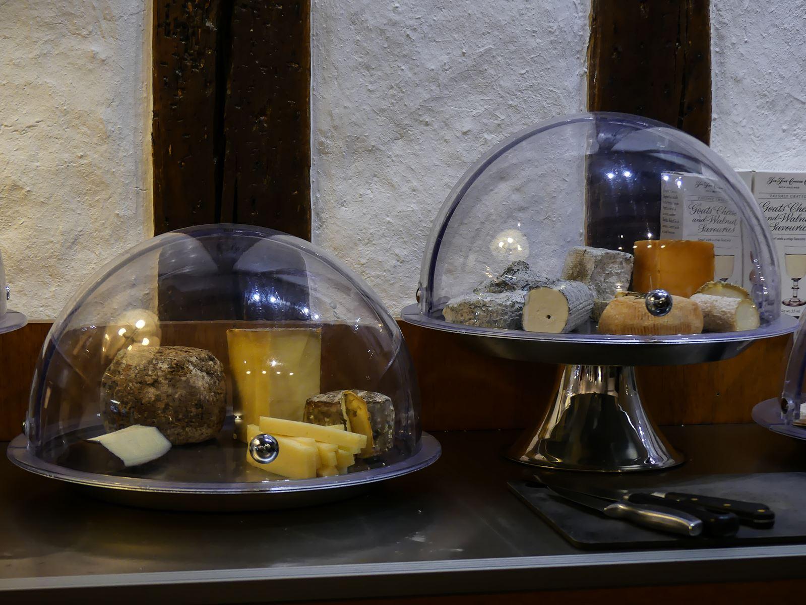 Claironyva Tours Restaurant Affiné
